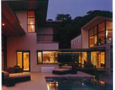 BAY & BOW WINDOW